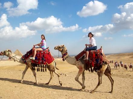 Giza-Necropolis-Cairo-Egypt-Camels-Ride